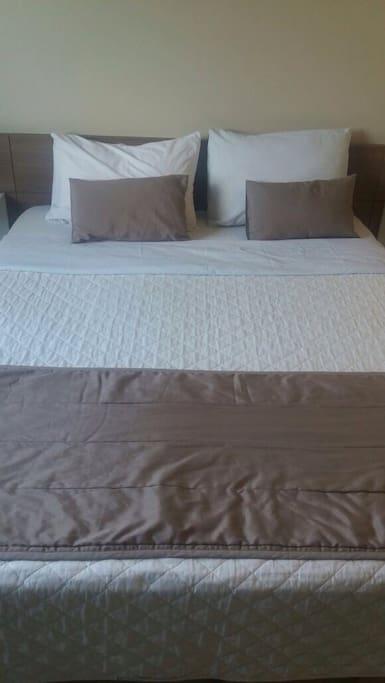 Opcao de Cama de Casal ou Com 2 camas de solteiro
