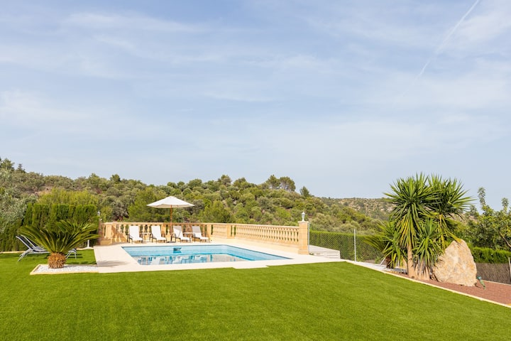 Tanca. Villa with pool in the Serra de Tramuntana