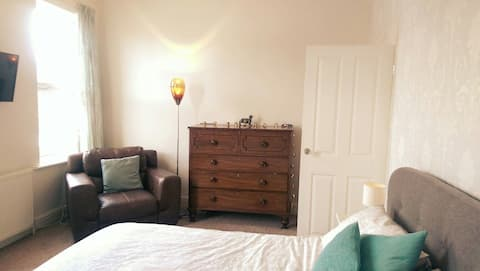 Free breakfast. Large, comfortable room. Southport