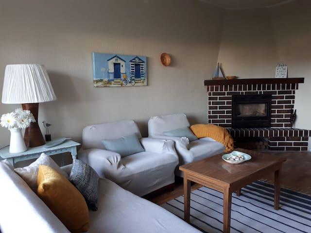 Casa Dolfín: tu hogar en la costa del paraíso (1h)