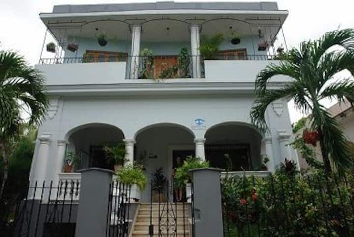 VILLA DE SOTO--LARGE GROUP UP TO 16 PEOPLE OR MORE