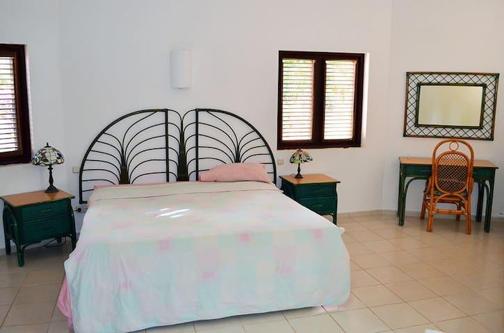 1nd master bedroom