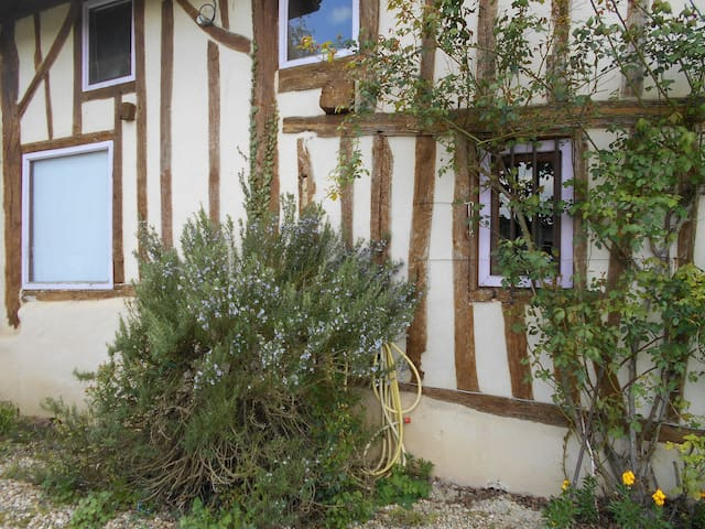 maison en colombage Sud Ouest - Verteuil-d'Agenais - Flat