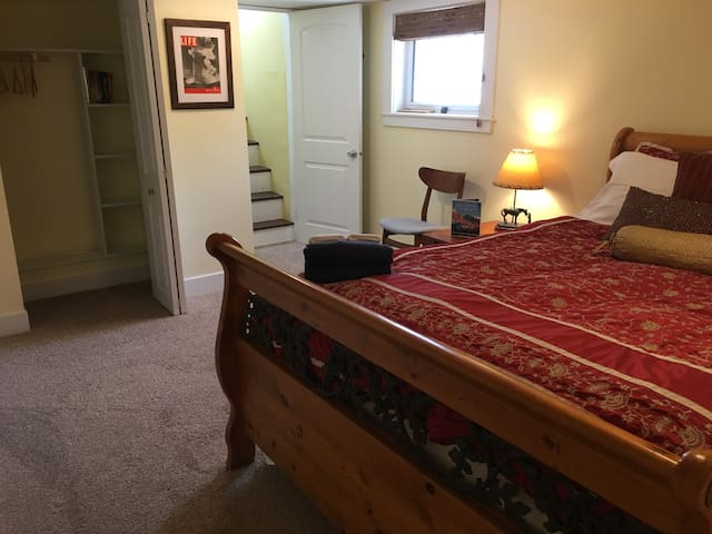 Pet-Friendly Room Historic Downtown