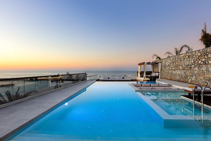 Zillion Villa, intangible beachfront luxury!