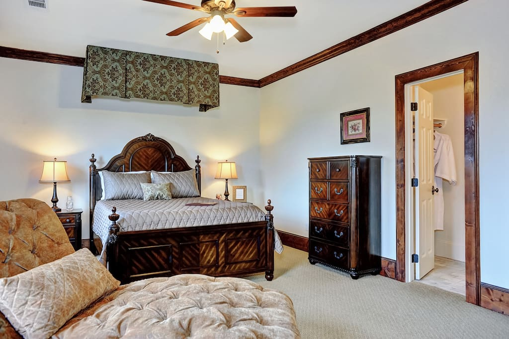 The Farmhouse Estate: Tuscan Room