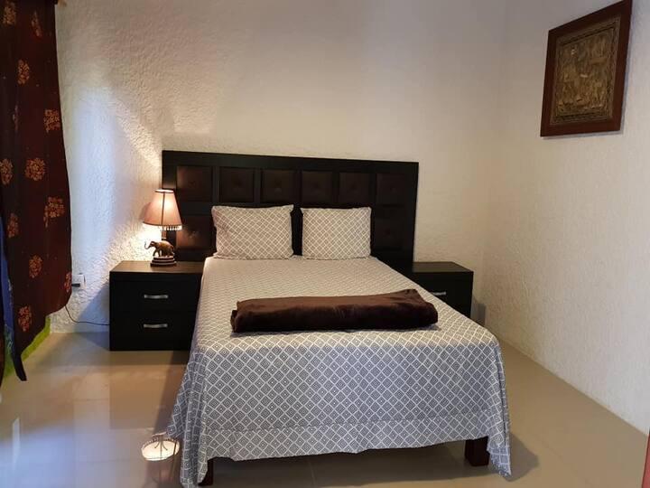 Amplia Villa para Pareja- Riad Oriental