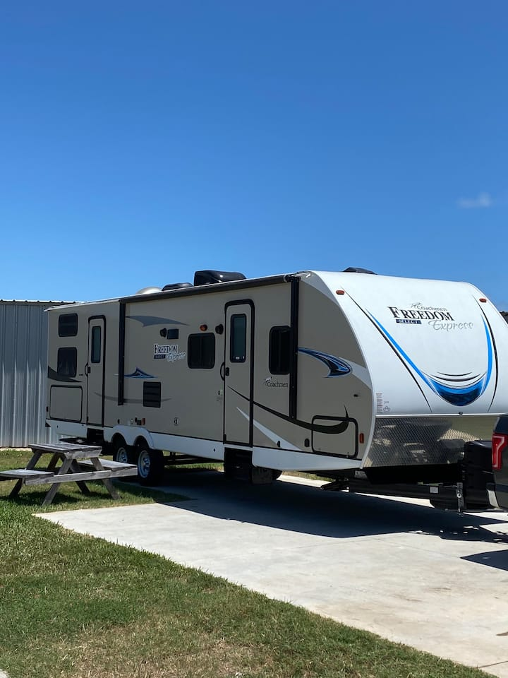 2019 Coachmen Freedom Express TV Travel Trailer
