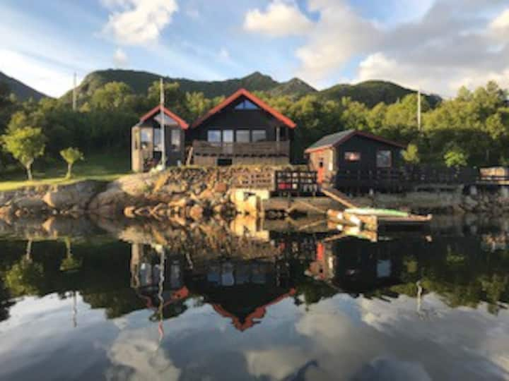 Beautiful seaside cottage near Svolvær, Lofoten