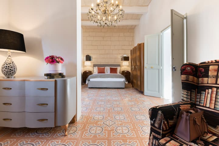 Luxury suite in a Traditional Maltese Townhouse
