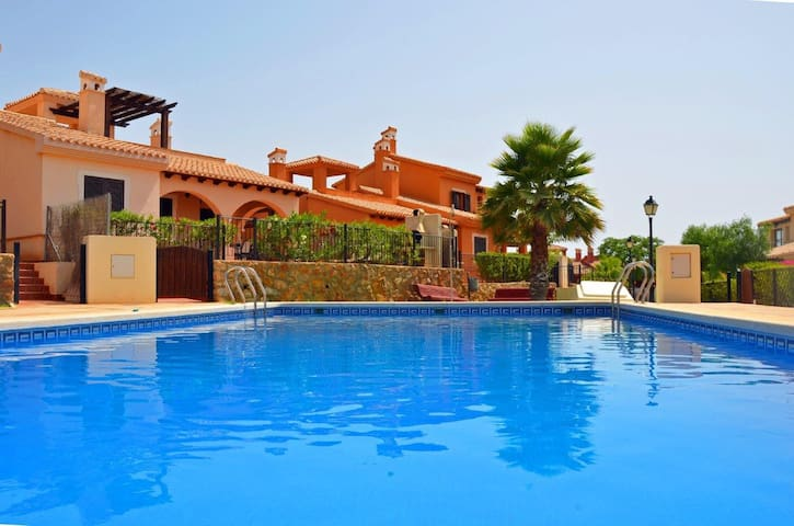Lovely 2 bed villa/2 bath - community pool - Fuente Álamo - Dom