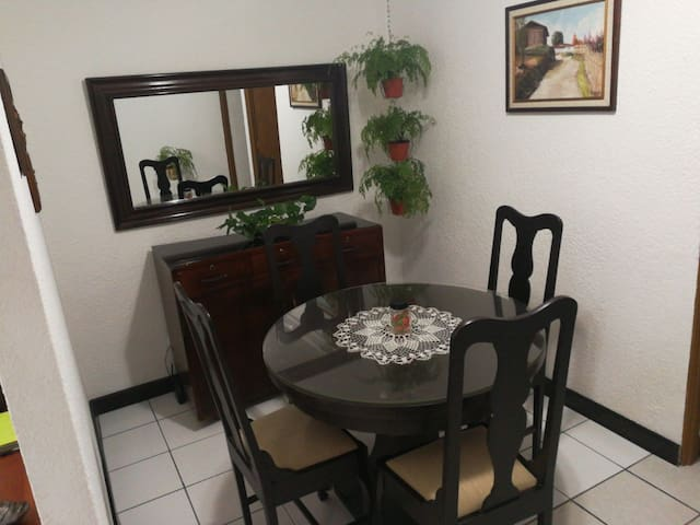 Casa Jade Big furnished Apartment 2B/2b by Airport