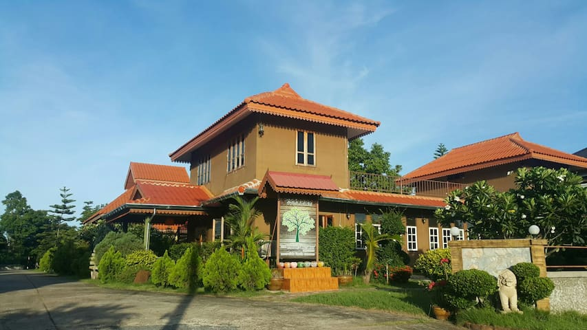 The Garden Resort-Garden House - Nong Kom Ko - Huis