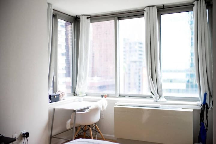 Bedroom 1 min to Times Square with private bath