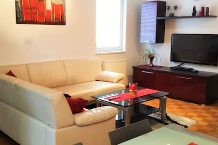 Luxurious RUBY Apartment in CENTRE Kobarid - Kobarid - Huoneisto