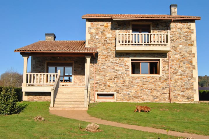 Rural House, 4 rooms, 8 people máx. Near Santiago