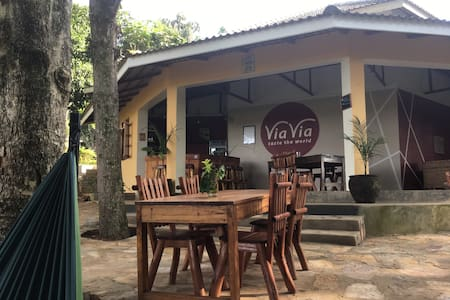 ViaVia Campsite and Dormitory - Entebbe