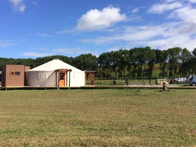 Yurts del Lago