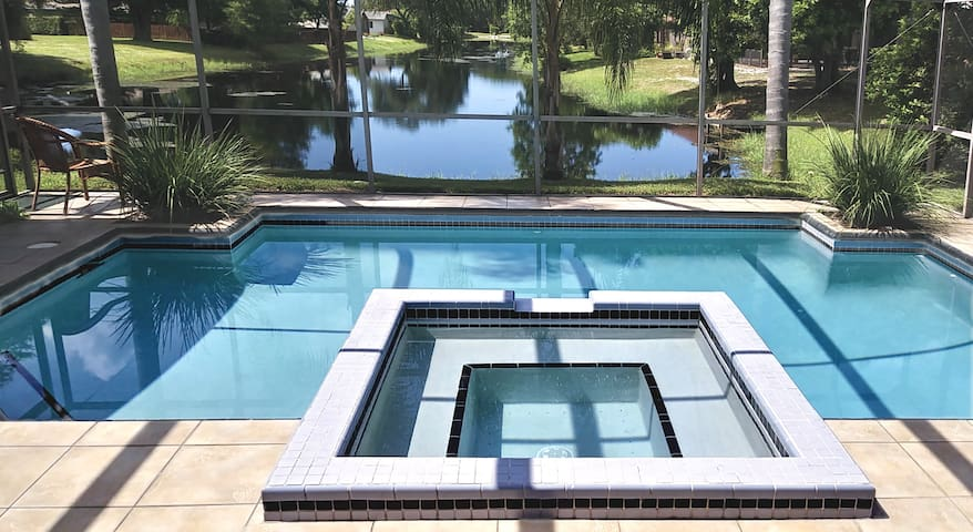 Private Heated Pool Near Anna Maria Island