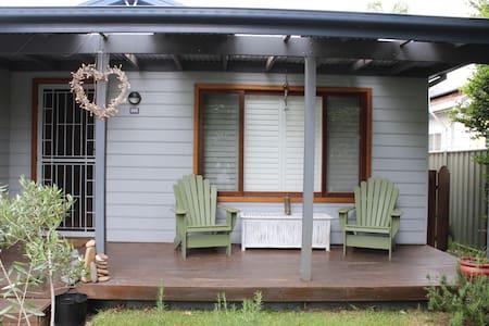 Entire home/apt in Umina Beach - House