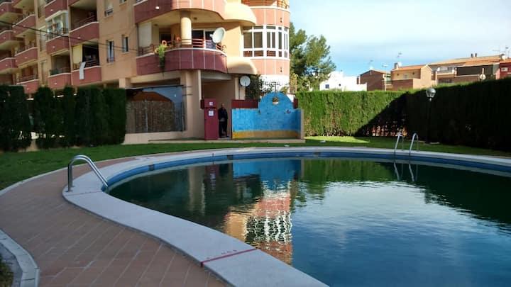 Apartamento con gran terraza y vistas al mar