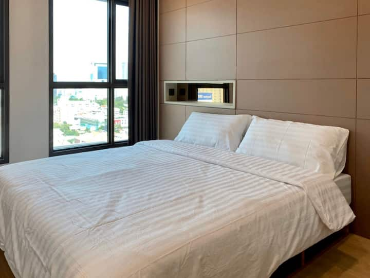 Private room Din Daeng near BTS Victory Monument
