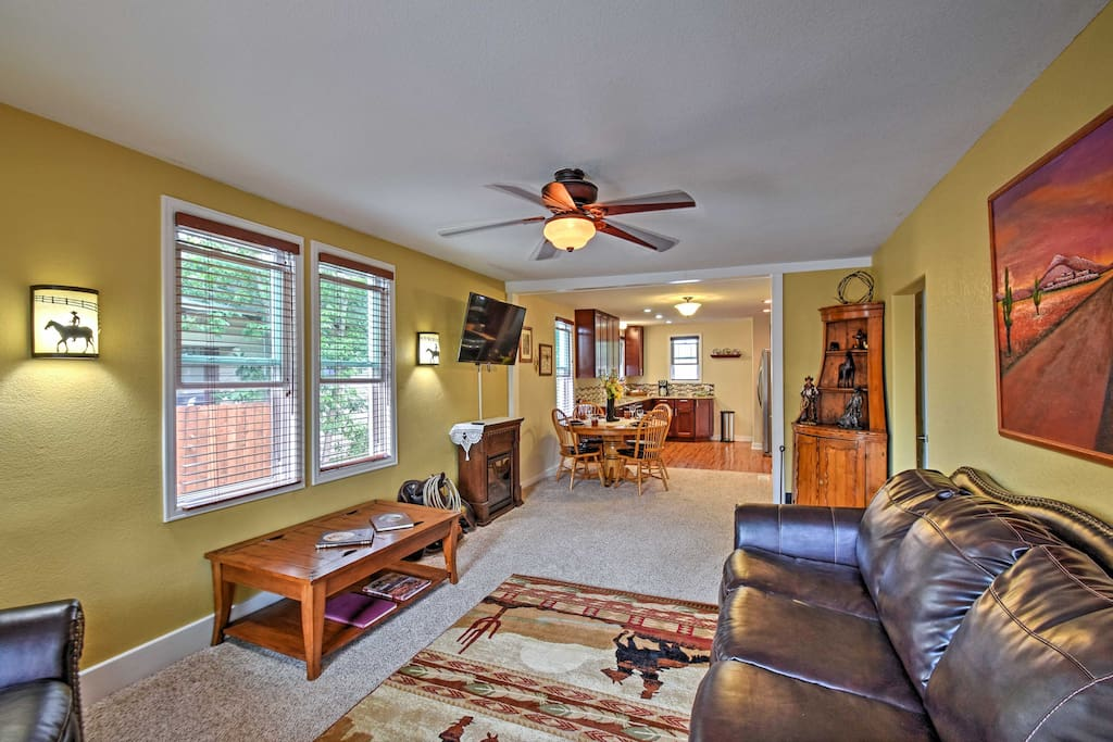 This home boasts 1,532 square-feet of newly renovated living space for 5 guests to enjoy.