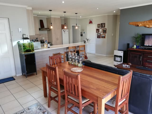 Stay in beautiful Paarl close to wine farms.
