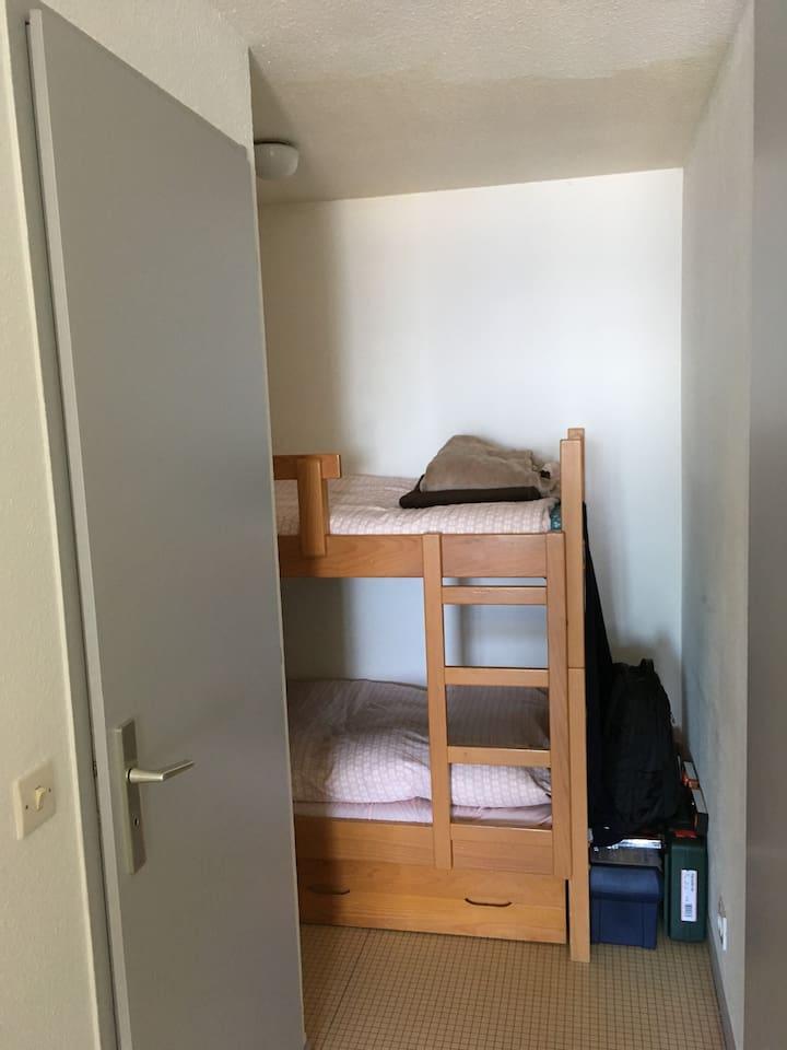 Cabine avec lits superposés