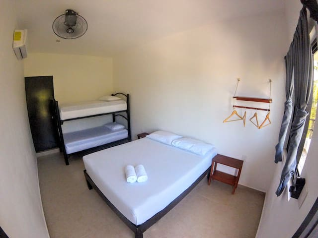 Che Playa Hostel & Bar - Habitación Triple