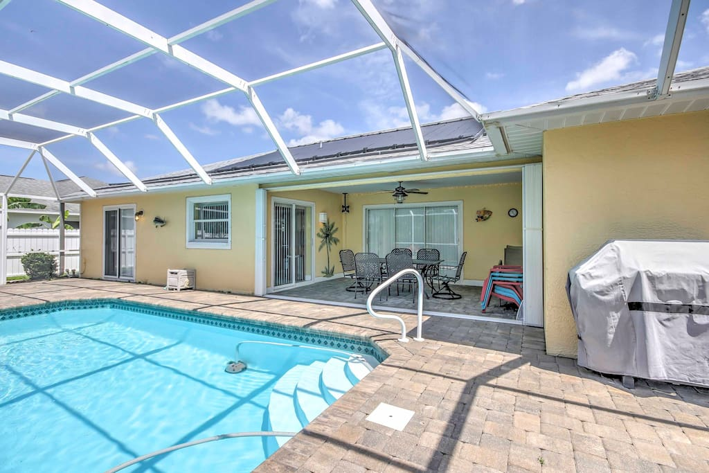 Enjoy countless hours lounging by the pool in the screened-in lanai.
