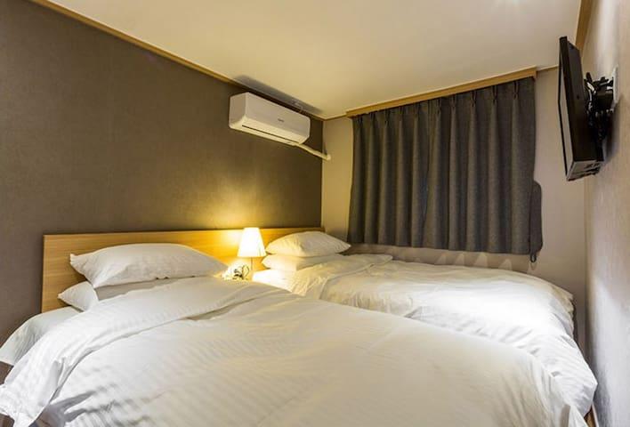 로이게스트하우스(4 Beds APT)