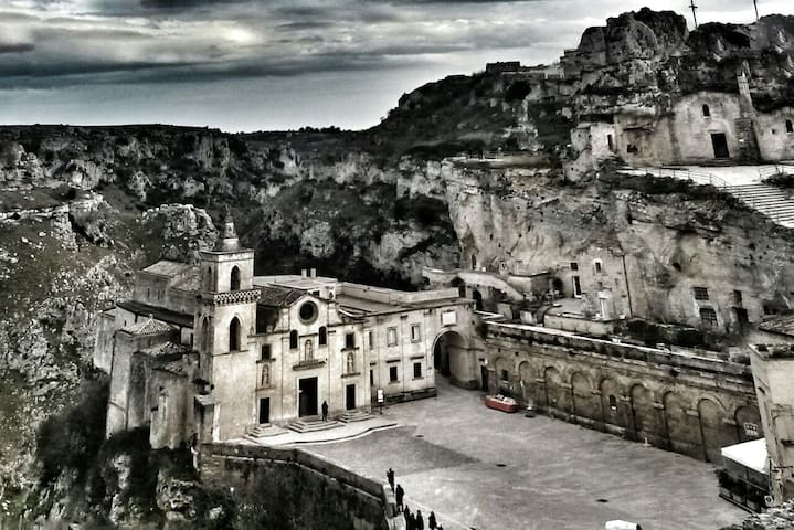 Matera City Center Giant Apartment Great Location - Matera - Daire