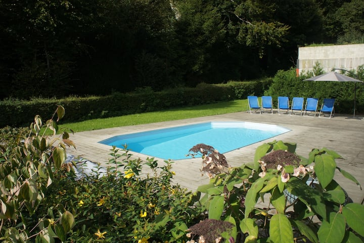 Gite for person with reduced mobility with outdoor pool