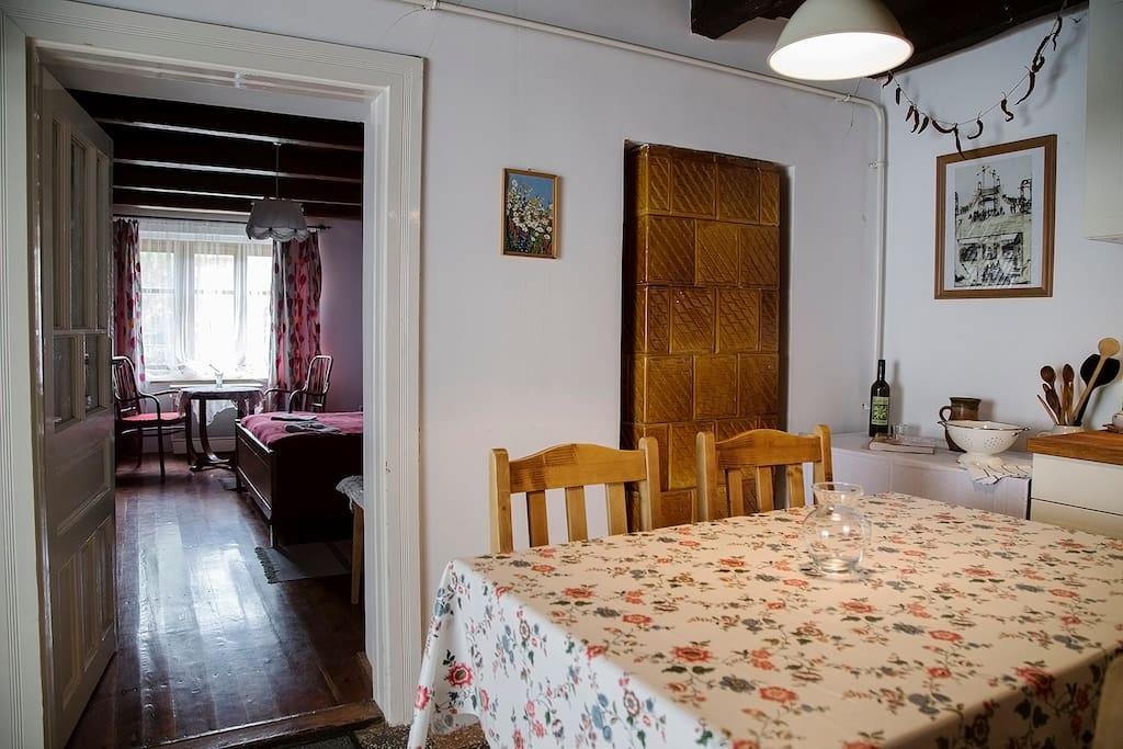 Kitchen + Large Bedroom / Konyha + Nagyszoba