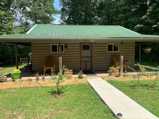 Private Cabin on 30acres with 1 1/2 acre pond