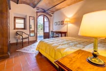 Tuscany country apartment/pool Volterra