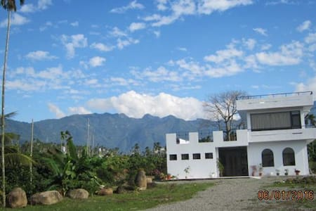 阿里山、瑞里、竹崎,最新最寬敞民宿,白樹角5號民宿 - 竹崎鄉 - วิลล่า
