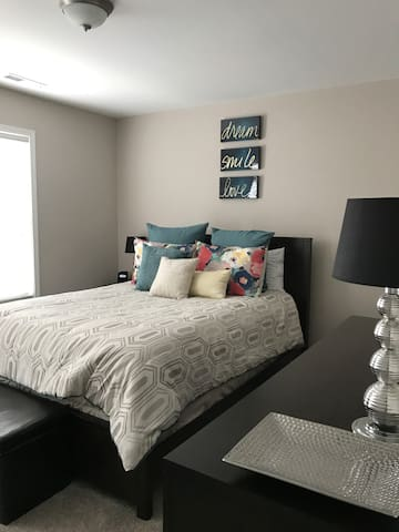 Cozy Spare room close to downtown - Durham - Complexo de Casas