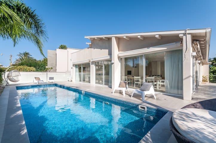Magical Villa front of Beach - Herzliya - 別荘