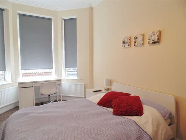 1 min walk to BAE Cosy Double Rooms - Barrow-in-Furness