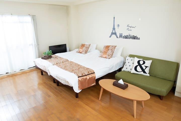 To Umeda&Namba 0 transfer! One room+free wifi A-1