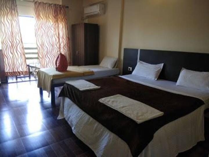 1 room in Resort Lilly & Lolley Morjim Beach