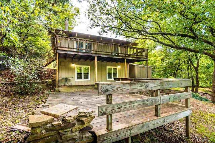 Manhattan Lake House Retreat