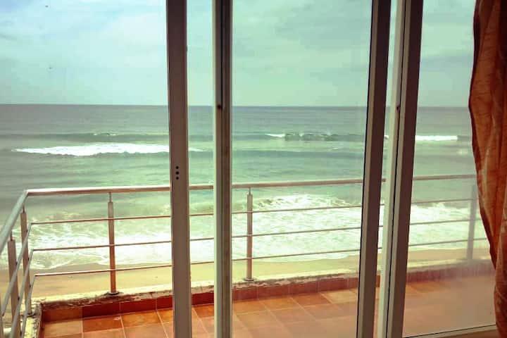 BEACH HOUZ: beachfront 2bhk villa