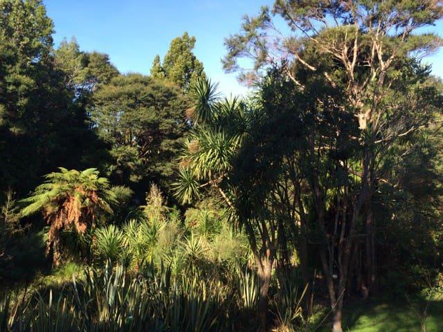 Titirangi Bush Paradise Home - Auckland - Dům