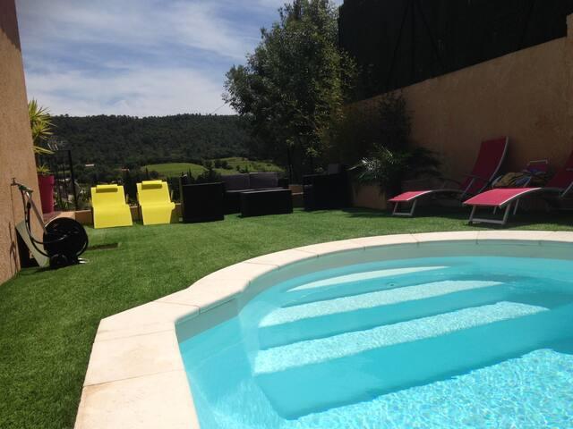 maison dans environnement calme - La Crau - Casa