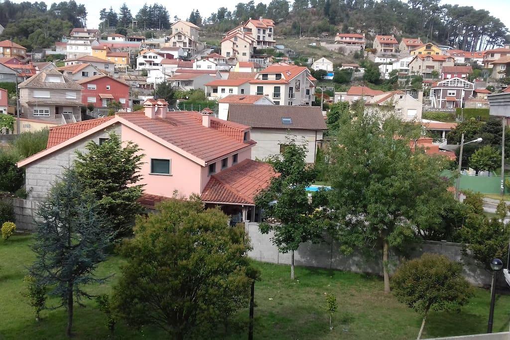 Baiona centro nuevo y con piscina ideal parejas for Camping en galicia con piscina