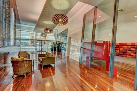 Location at Flinders street /Opposite crown casino - Melbourne - Apartment