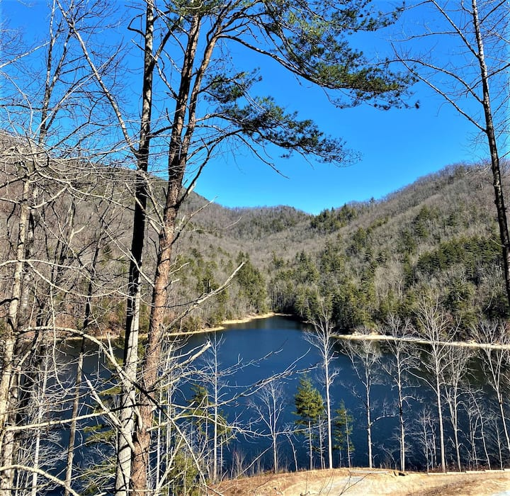 * FABLES OF THE FOREST * Lake Views * Luxury Condo